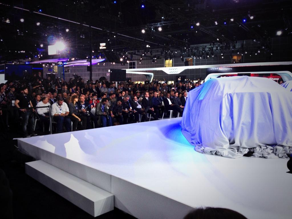 Before and after with the brand new @Cadillac ATS-V. #LAAutoShow http://t.co/1UJojzuvrL