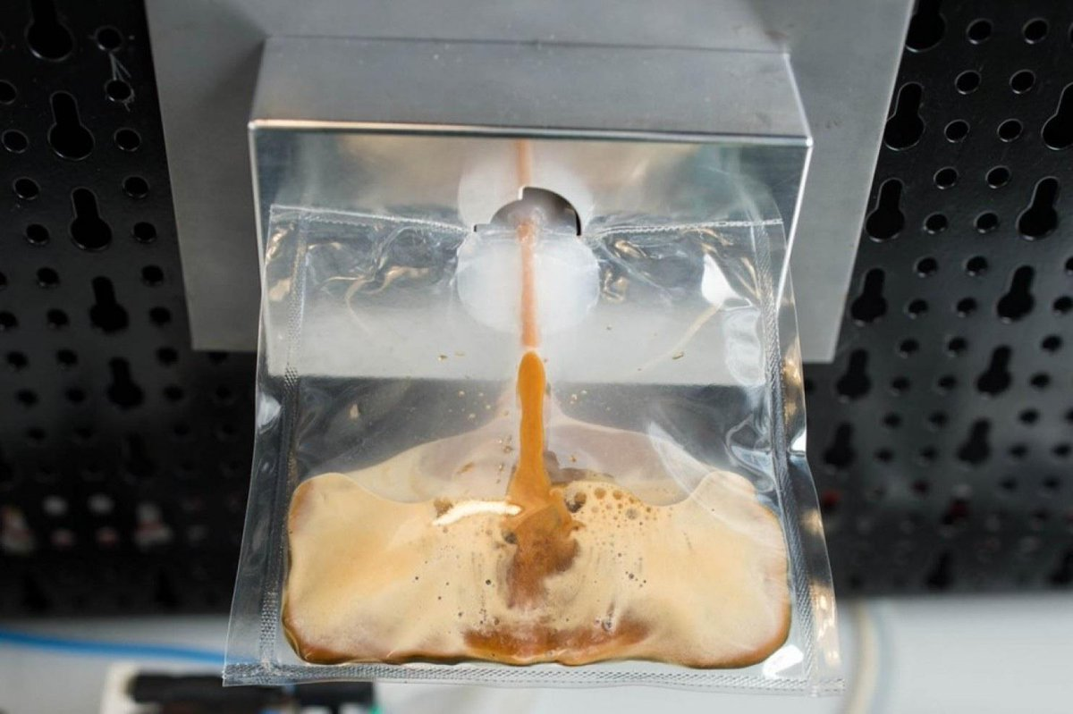 First espresso in space, http://t.co/Tv1dWCnPKm. Because standards have to be maintained. #civilisation #iss http://t.co/fyL6ffv2av