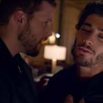 """¡Locura en fans! One Direction estrena videoclip de """"Night Changes"""". Míralo aquí. http://t.co/XSUKwRvLoH http://t.co/cJ18Rd6kx7"""