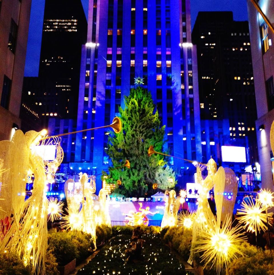 Who's ready for the Rockefeller Center Tree Lighting tomorrow evening? http://t.co/DYMiaZv4ZA #RockefellerCenter #NYC http://t.co/l2BFzm4Yaj