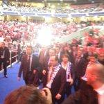 Hollande vient darriver, sifflets assez copieux...mais opportunément couverts par le concert des Tambours du Bronx http://t.co/6j2iNxeaGK