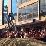 Juan Orellana en competencia de downhill en #Loja. http://t.co/z7uhIspi67