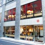 複合飲食店「宮益バール&ダイン」渋谷・宮益にオープン - カフェ&バーからディナーのフルサービスまで - http://t.co/6nquke2fyj http://t.co/pUzS391fAx