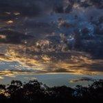 Sunset in Tuggeranong. #cbr #Canberra http://t.co/RtpSukI1wP