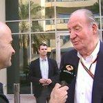 """Rey Juan Carlos I: """"Fernando Alonso me ha dicho que se va a McLaren"""" ▶ [VÍDEO] #A3F1AbuDabi http://t.co/OcDF3WZqP5 http://t.co/HO4B9k9xIl"""