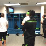 A little pre-match entertainment. #LAvSEA #NYvNE http://t.co/cCApj5Ptj7