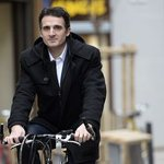 #Grenoble, première ville européenne à bannir la publicité de ses rues, sur décision du maire http://t.co/rWbB4su4qd http://t.co/1sukAPgdiF