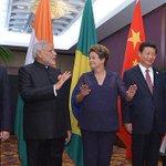 """""""El banco #BRICS es el primer paso en la desdolarización de la economía mundial"""" http://t.co/9pUTr3vrCi http://t.co/Dxh0ortrzS"""