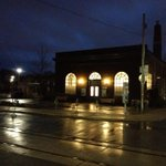 #topoli Wychwood Barns/Peter McKendrick community gallery, looking very inviting this wet morning. http://t.co/fOEo4zPEcY