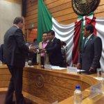 Diputado @RupertoRamirezV recibe presupuesto 2015 que presenta Srio. @AunardFinanzas @GobiernoHidalgo http://t.co/RdBJTeYnS3