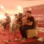 @chikinthelight at Grage mall @AboutCirebonID http://t.co/S0Bdj60ioo