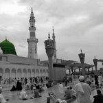 اللهم ارزقنا صلاة في بيت حبيبك صلى الله عليه وسلم .. آمين http://t.co/W3mJGqJEay