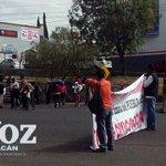 MPRJ bloquea ambos sentidos del libramiento sur afuera de Casa de Gobierno #Morelia http://t.co/QXSON1XSyM http://t.co/iNNzoNxitl