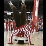 .@UWBuckyBadger has an M on his sweater #AxeWeek http://t.co/CijCcRgOnB
