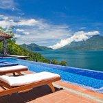 Según medio, Guatemala alberga uno de los más hermosos hospedajes a orillas de un lago. Leer→ http://t.co/RDPaOq5pQp http://t.co/7UaSonyiBO