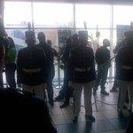 Buenos días #Panamá Seguimos esperando a nuestra Campeona @AtheynaB en el Aeropuerto de Tocumen. Pendientes http://t.co/9d60rmL2FA