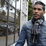 Le footballeur Brandao condamné à un mois de prison pour son coup de tête sur Motta http://t.co/bkBwYrvJmJ http://t.co/8POiszCipt