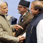 #Watch | PM @narendramodi, Nawaz Sharif shake hands and chat at #Saarc closing event http://t.co/DlhF6qYIIT http://t.co/6tCo6VqRJA