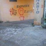 La triste historia de la esquina de mi casa.. hay pecho pecho http://t.co/kOXS0Eht7o