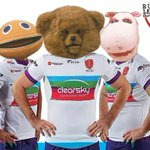 Exclusive pic from Hull KR away shirt launch! #HKR #telltheworld #rugbyleague #Rainbow http://t.co/oD8wNx6VvE