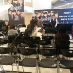 Open fansign XD hopefully I can be one of those lucky people soon! http://t.co/gr2JJjMLX6