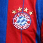 1,3 Mio. #FCBayern-Trikots wurden verkauft, das sind mehr als alle anderen 17 Bundesligisten zusammen verkauft haben. http://t.co/xuQT87nf02