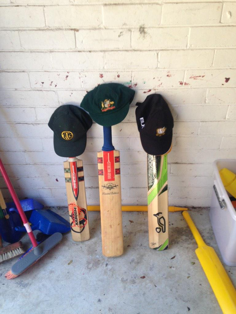 Baggy green #361 very underused last Test bat. kids bats getting more cherries. #Hughesy #408forever #PutOutYourBats http://t.co/vQQlcvTJKq