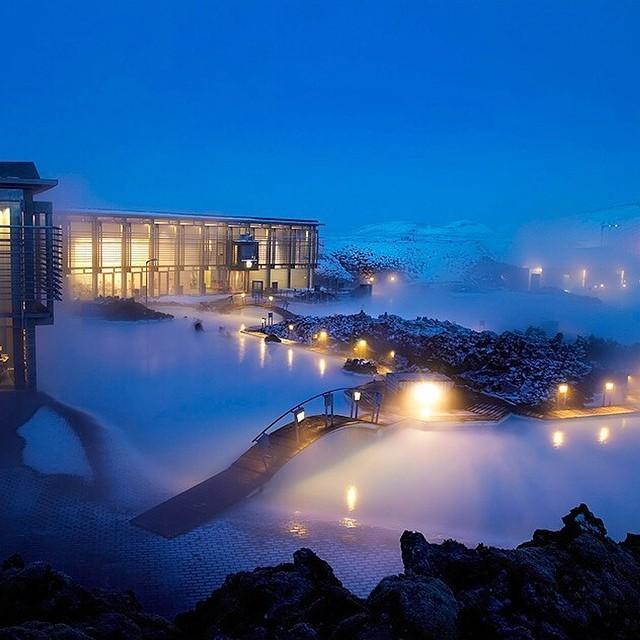 The blue lagoon. Grindavik, Iceland. #travelnoire #grindavik http://t.co/Y0S4AiXPRa