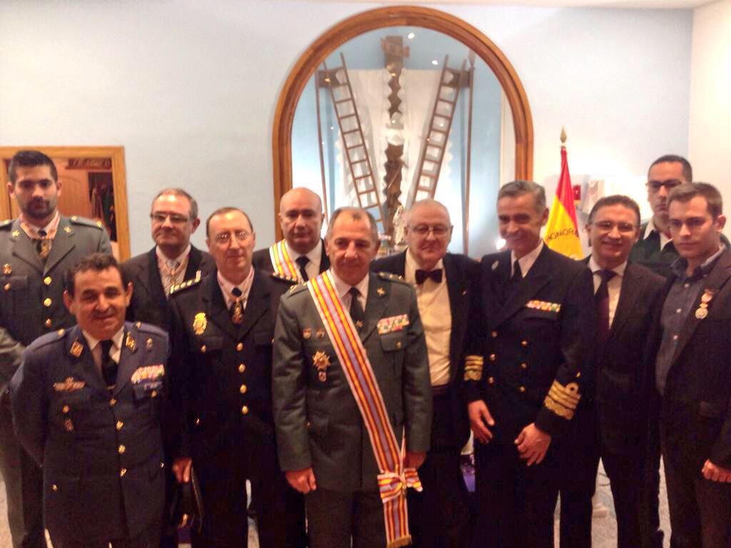 #JEMAD asiste al relevo del Caballero de la Honorable y Real Orden de San Cristóbal @Sancristobal20 en #Orihuela http://t.co/L8PNHpz6Xz