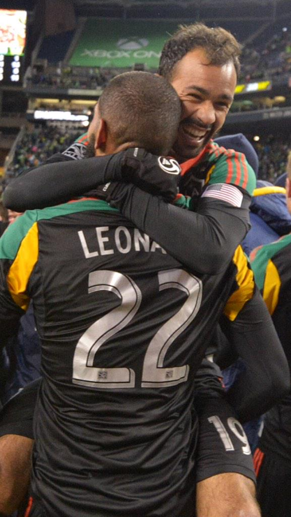 My @LAGalaxy fans how are you feeling today ? I'm feeling great . #FirstToFive http://t.co/JNh3XeWlYI