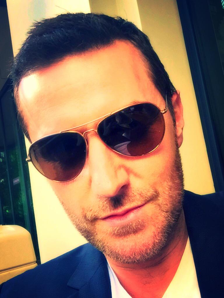 RT @TheHobbitMovie: Fire away! The King under the Mountain is here. @RCArmitage #AskThorin http://t.co/nTqALfokIw