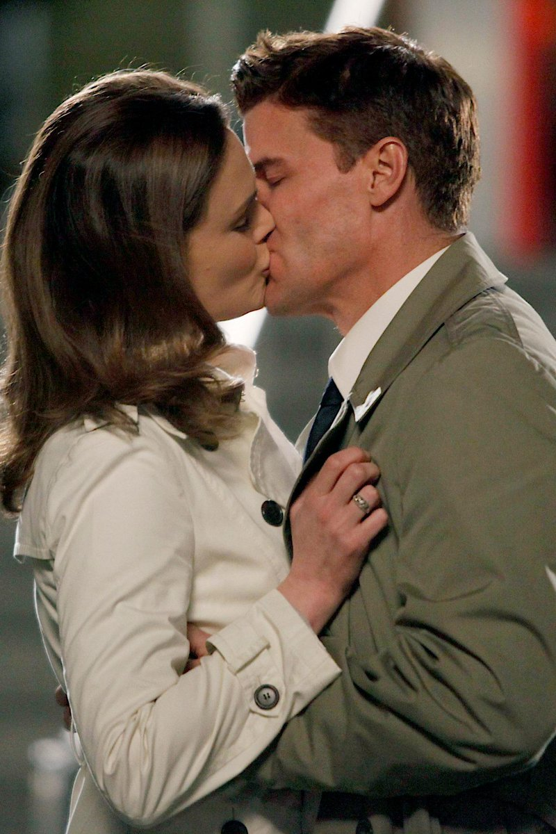 #BonesMemories 5x16 The parts in the sum of the whole #Bones200 http://t.co/7IuGRRTdRK