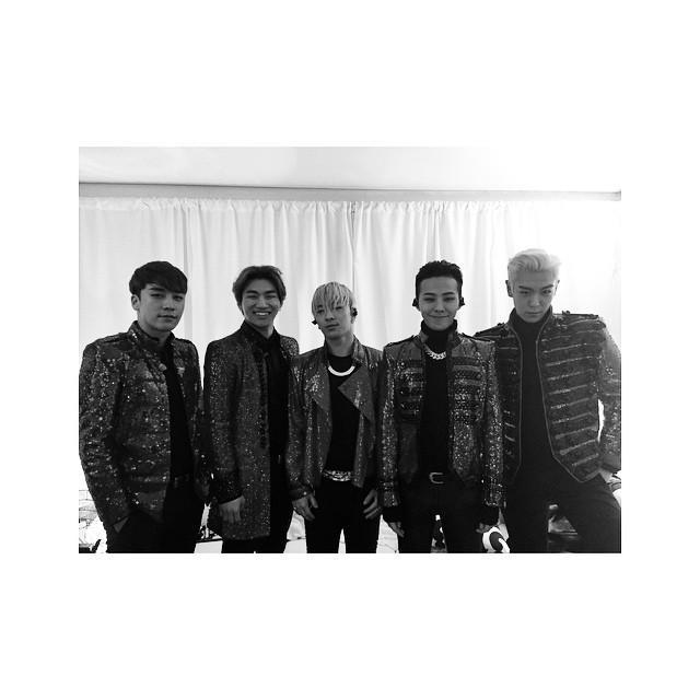 141227 G-Dragon Instagram http://t.co/tnr8IwYxaw http://t.co/vzM21D6oiH