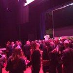 Netwerken bij de #LEDconf met afsluitende woorden van gouverneur Theo Bovens en Jos Schneiders http://t.co/JPWbosri0V
