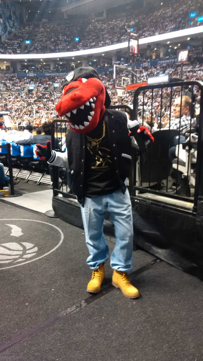 It's @drake night...even for the @the_raptor. #raptors #rtz http://t.co/7IAXecqWvs