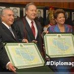 Diplomação de Dilma e o desespero e inveja de Aécio Capriles Neves !!! @Jacck13 http://t.co/QRzN6SGMlD