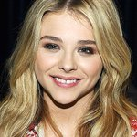Congrats to our Next Generation Star, @ChloeGMoretz! #PEOPLEMagazineAwards http://t.co/UCa4VrvthJ