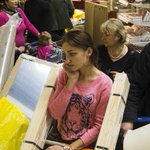 CHAOS IN RUSSIA: People are panic-buying furniture and cars as ruble crashes http://t.co/Sk8z4GwVsT http://t.co/BXX84upGjS