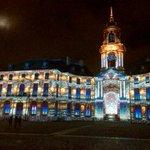 Lhôtel de ville de #Rennes habillé de lumière par Spectaculaires, cest quelque chose... A voir absolument :)) http://t.co/ohJiYYIO3n