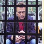 #Навальный просил у Запада санкций для 140 млн россиян. Почему бы прокурору не попросить для Навального 10 лет? http://t.co/NjlY5Rzdmg