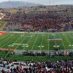 Wow RT @Matt_SteppTOC: New Mexico Bowl crowd vs. Aledo-Temple crowd #txhsfb #UILState http://t.co/90BMbs12ys