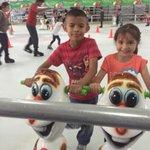 Quetzalli y Pablo disfrutando de un buen domingo familiar.!!! @ferortegab @miguelsulub http://t.co/Bh46IIx0sH