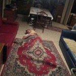 quando você vai dormir na casa de um amigo e ele esquece de te dar cobertor http://t.co/ofEfeIHyeb