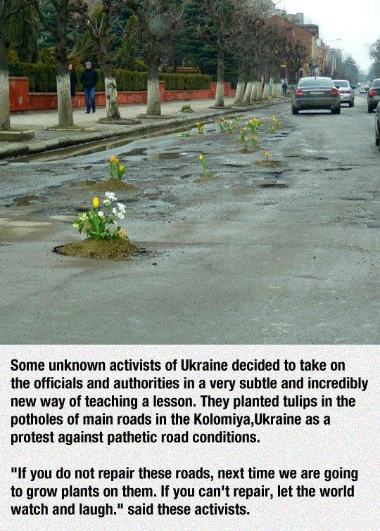 Simply brilliant. I think every Indian city requires this kind of protest against pot holes RT @TricksAndHacks: http://t.co/XdWJGUTpkt