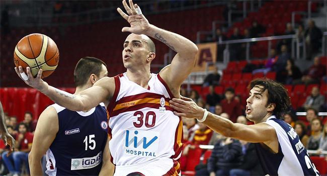 Galatasaray'a İBB darbesi http://t.co/4P0KL4ikV1 http://t.co/I8f7OYz1ob