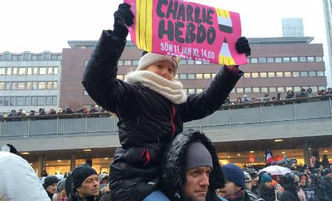 """#Stockholm #CharlieHebdo """"record turnout"""" for a winter rally in Swedish capital, say police: http://t.co/a3m7BrxD8f http://t.co/R9kyVfmeqA"""