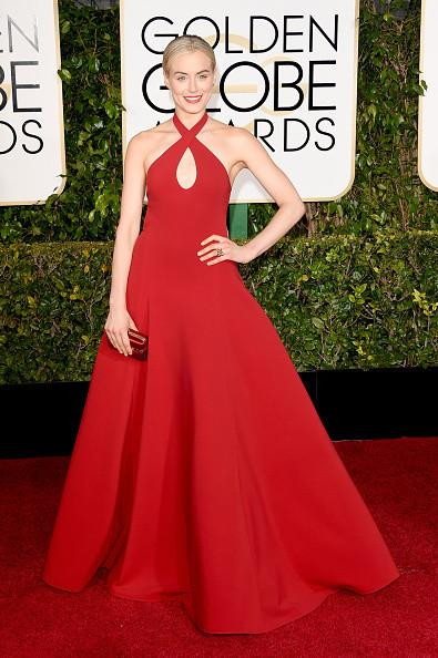 We adore @TaySchilling's red full-skirt #GoldenGlobes number. Share your thoughts @OITNB fans: http://t.co/pRivweaO95 http://t.co/vXH0JFmFfz