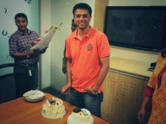 Rahul Dravid cuts his birthday cake at an event in Bangalore.....happy b\day sir...