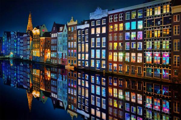 Amsterdam at night: http://t.co/cxCDEGPy97