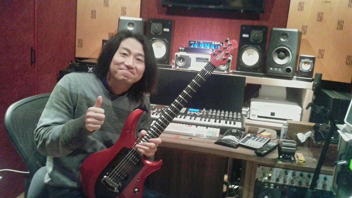 ゴールデンボンバーや仮面ライダーなど多方面で活躍されるTatsuoさんのスタジオに遊びに行かせて頂きました☆とても楽しかったです!\(^o^)/ http://t.co/xkc4t0042G